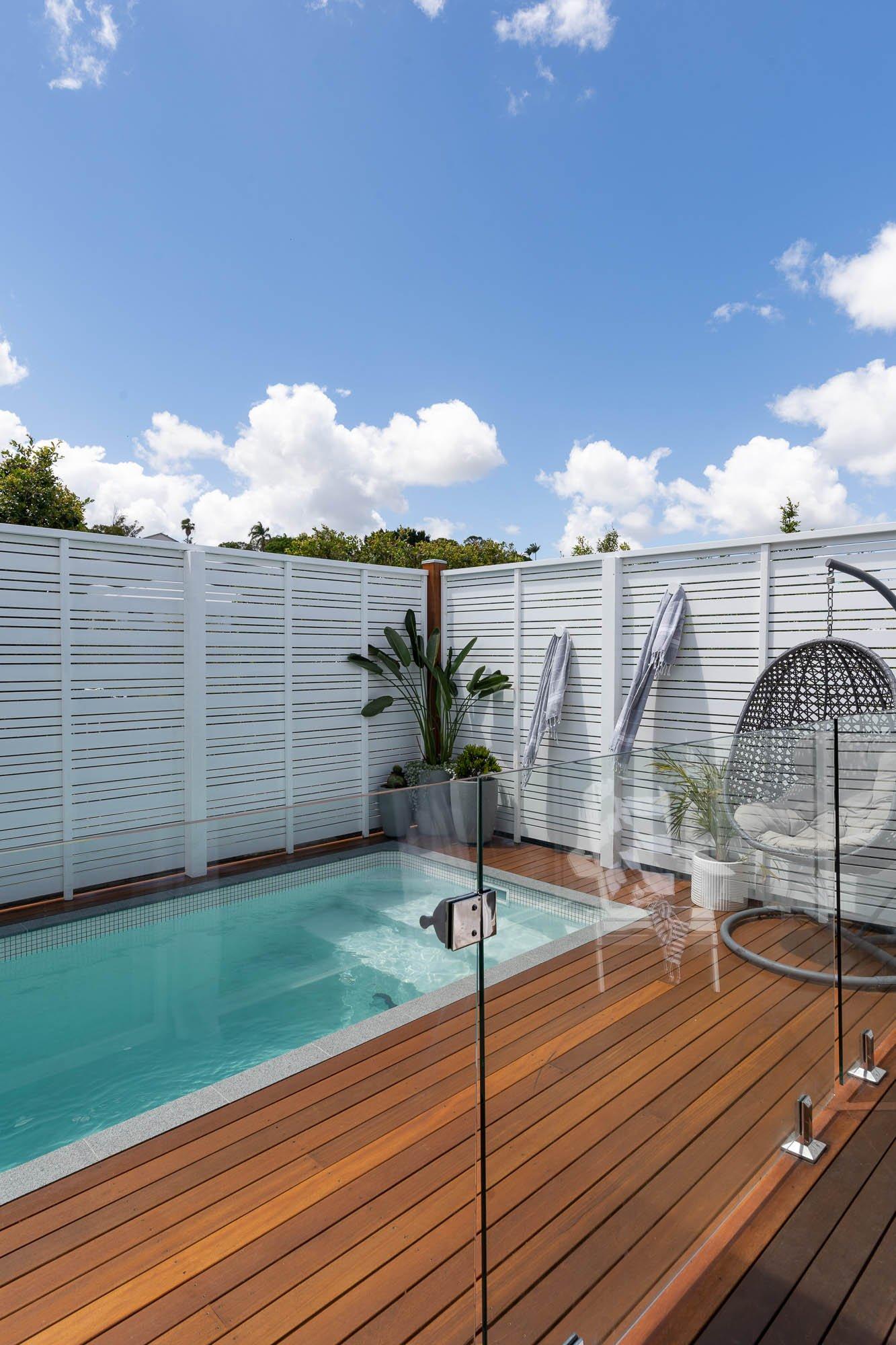 Plungie Studio 12ft x 7ft concrete plunge pool in Kona Coast
