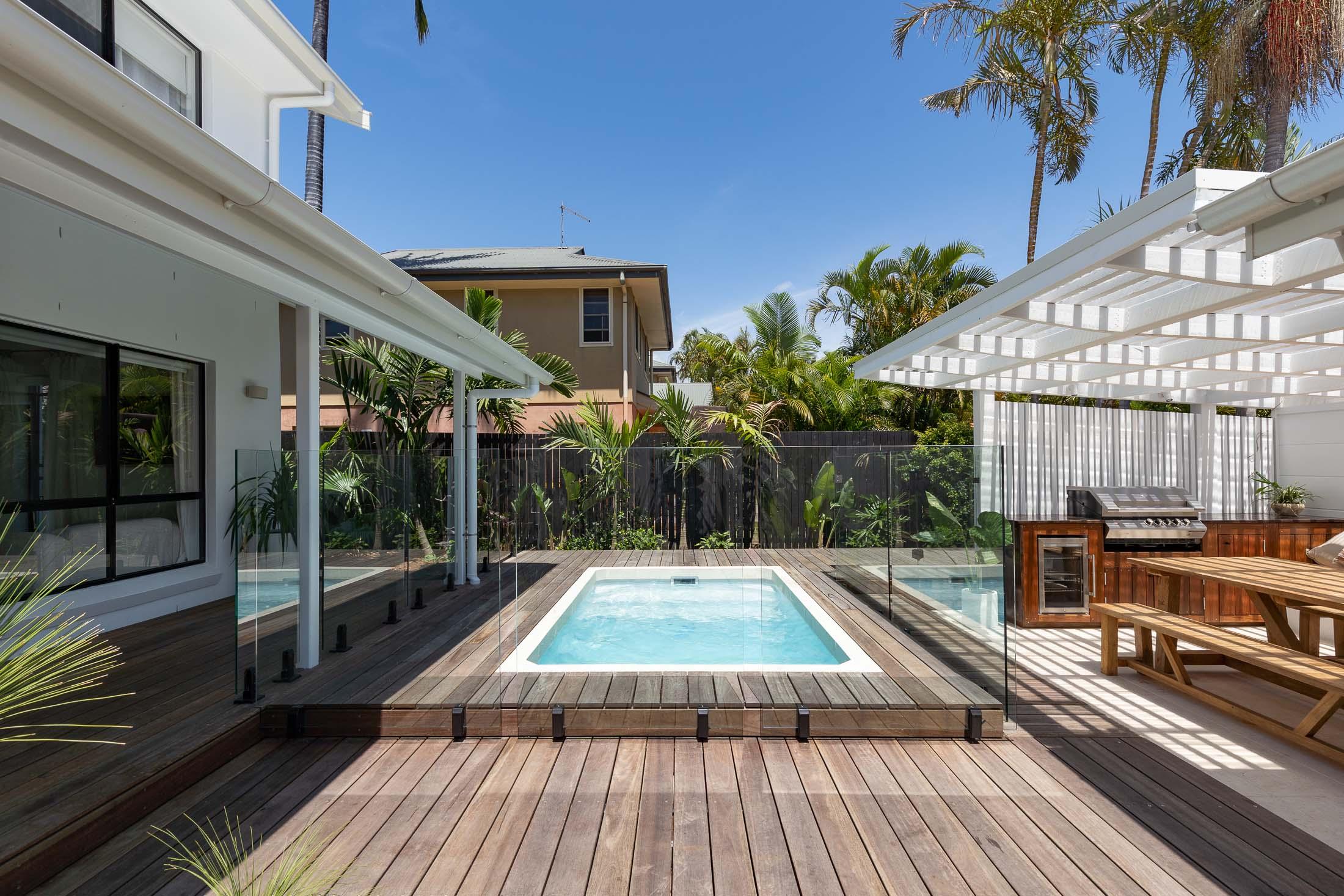12ft x 7ft Plungie Studio Concrete Plunge Pool in Kona Coast